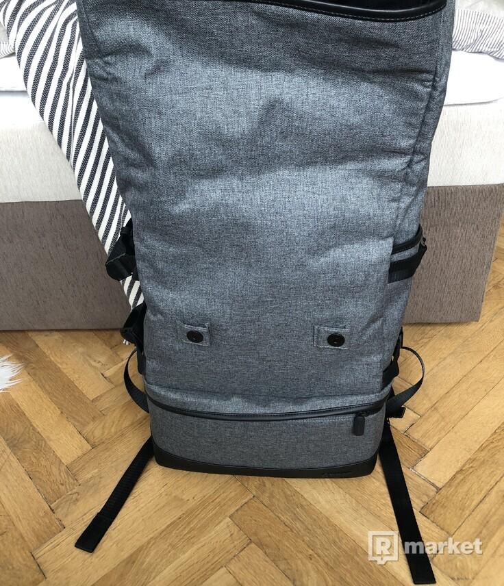 NOVÝ batoh Canon