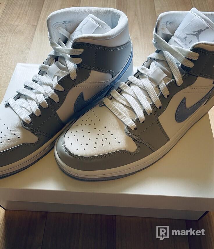 Air Jordan 1 mid 40.5
