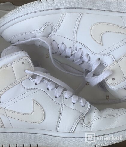 Air Jordan 1 Triple White