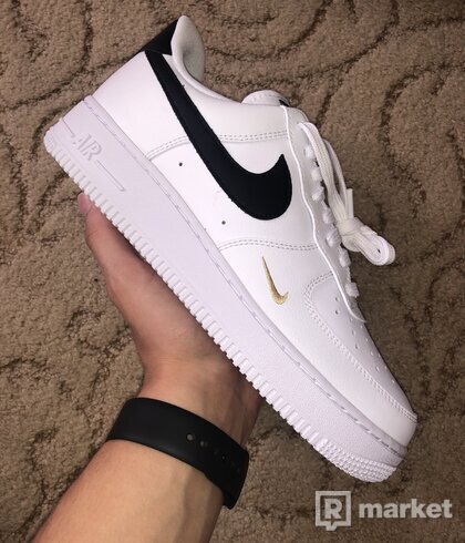 Air Force 1 Low Essential Black White