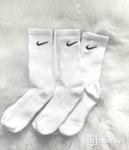 Nike cushioned crew socks