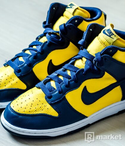 Nike Dunk High Retro QS Michigan 44