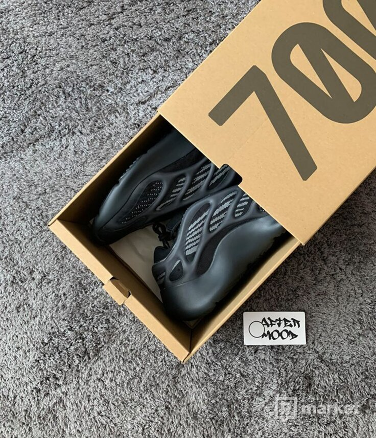 Adidas Yeezy 700v3 Alvah