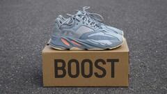 WTS Adidas Yeezy Boost 700 Inertia- Top cena!