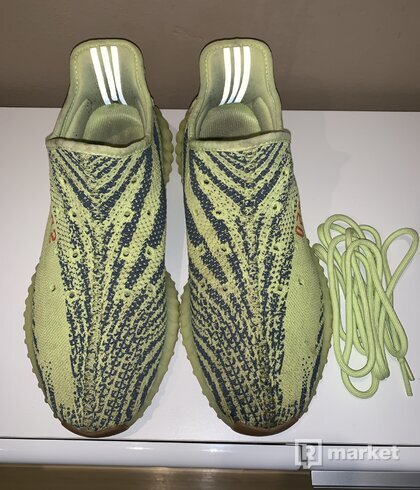 Yeezy350 Frozen Yellow