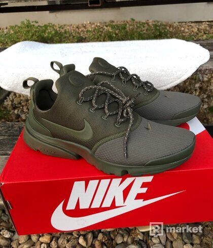 Nike Air Presto fly velkost eur 41, US 8, UK 7