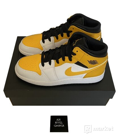 Nike Air Jordan 1 Mid University Gold