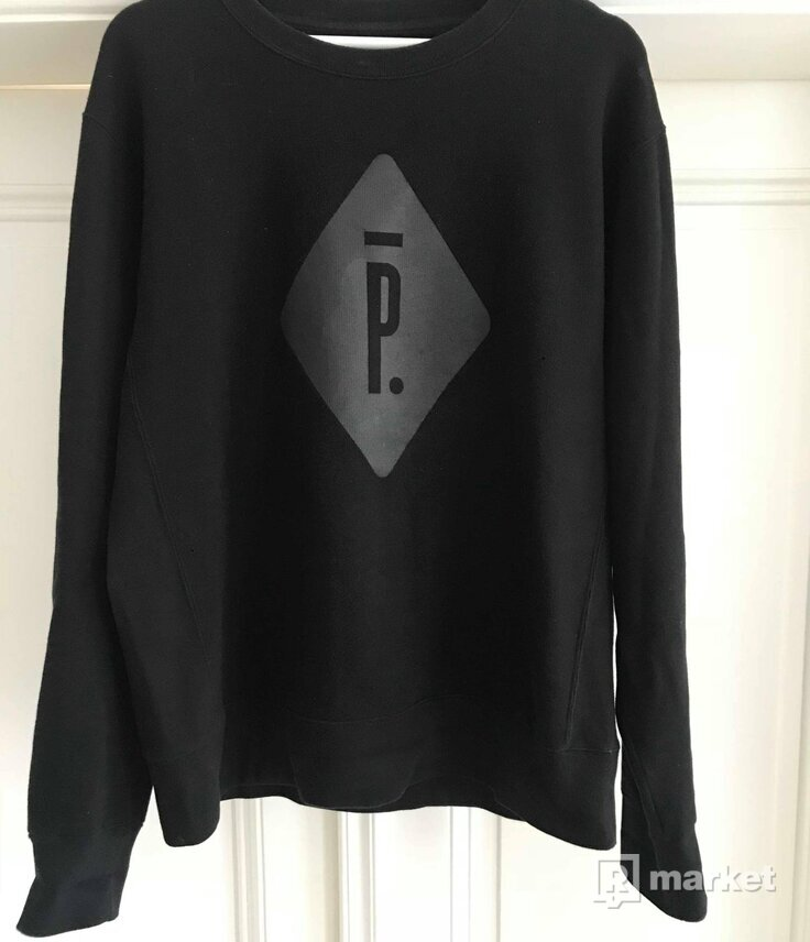 Pigalle Paris shop exclusive black crewneck