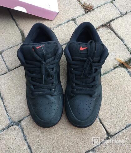 Nike SB Dunk Low Black Pigeon