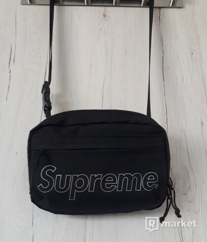 Supreme Shoulder Bag FW18