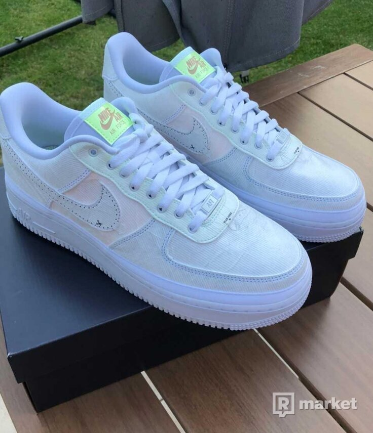 Nike Air Force 1 Low Texture Reveal Arctic Punch