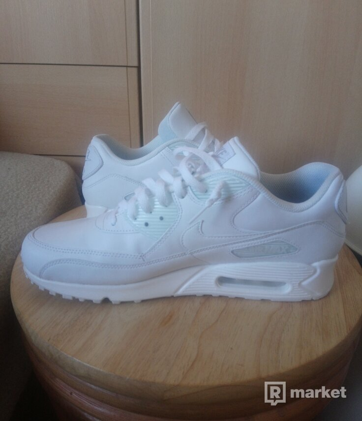 Nike Air Max 90 Leather  US 11.5/EUR 45.5