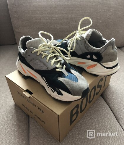 Yeezy Boost 700 Wave runners steal