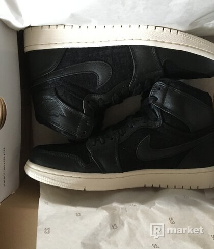 Air Jordan 1 retro mid premium