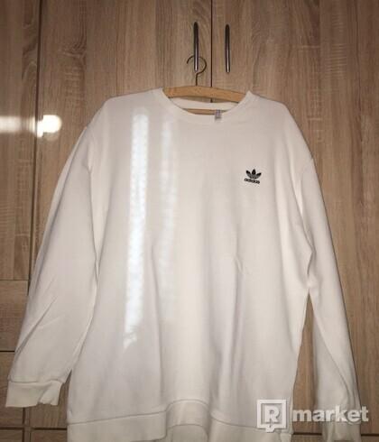 Adidas sveter