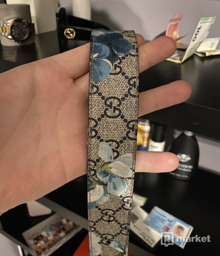 Gucci flower belt