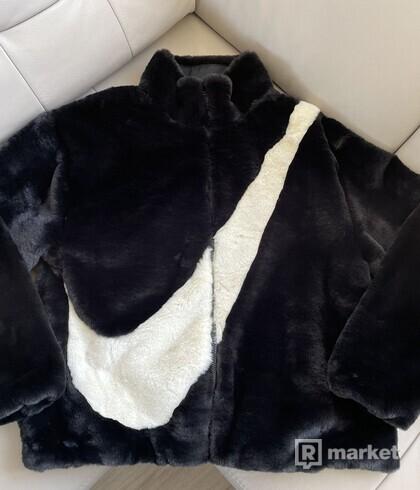 Nike Sportswear Faux Fur Black zimná bunda S
