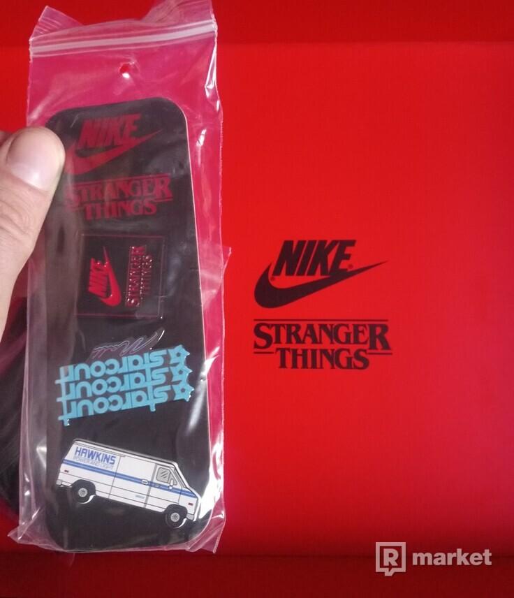 Nike Blazer Mid x stranger things upside down