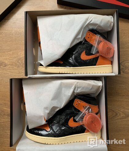 "JORDAN 1 ""SHATTERED BACKBOARD 3.0"