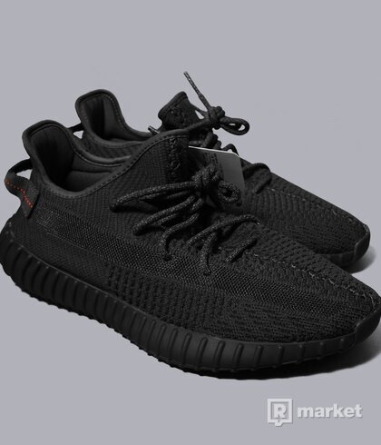 Yeezy 350 black non reflective