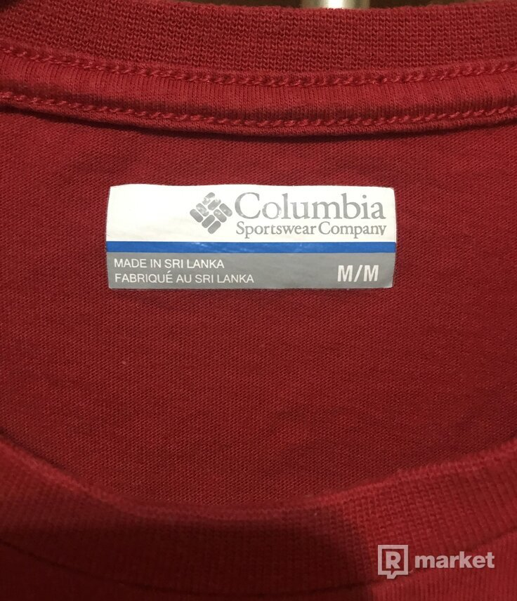 Columbia red tee