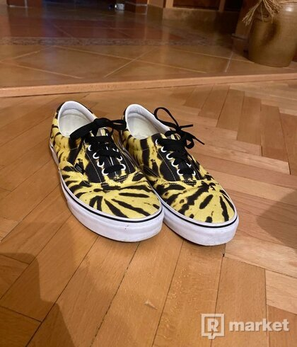 Vans tie dye blazing yellow
