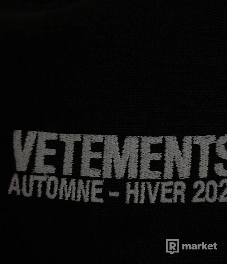 Vetements World Tour Logo hoodie