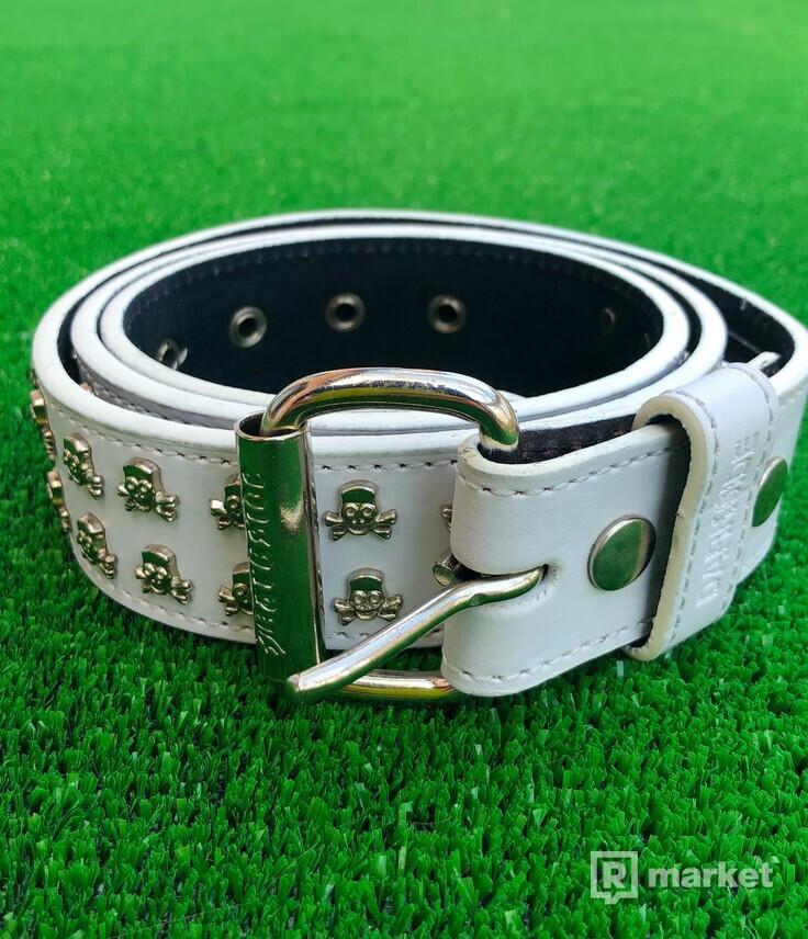 White skull belt