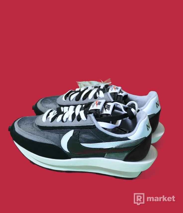 Nike x Sacai waffle black