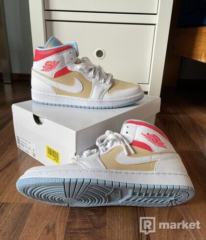 Nike Air Jordan 1 Mid Sesame