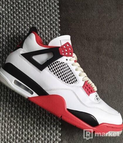 Nike Jordan 4 Fire Red
