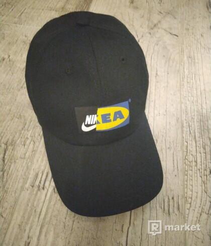 Šiltovka Nike x Ikea čierna + Supreme nálepky