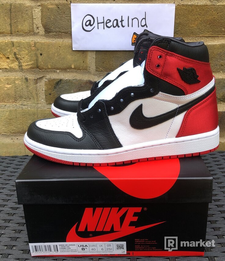 Jordan 1 Retro Satin Black Toe