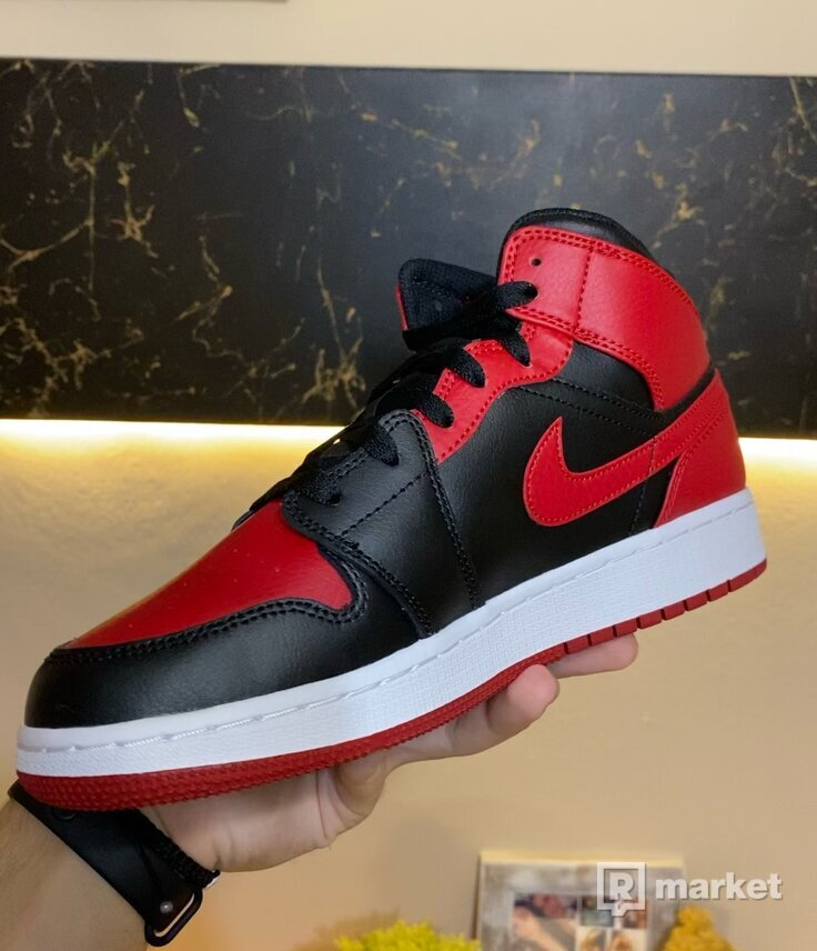 Jordan 1 Mid Banned GS