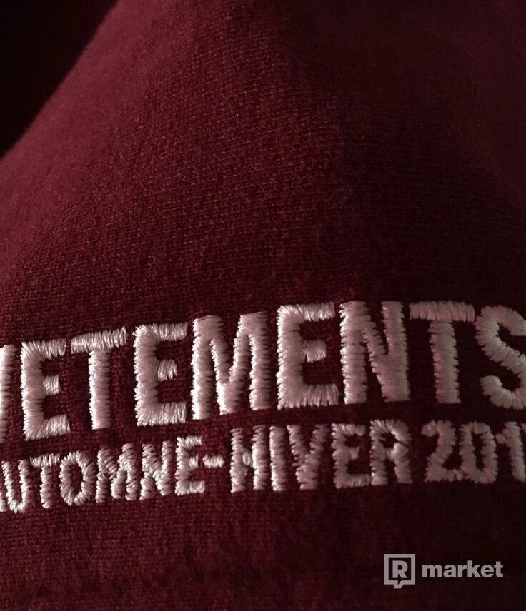 Vetements May The Bridges A/W 17 Oversized