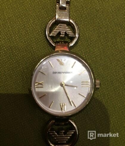 armani dámske hodinky
