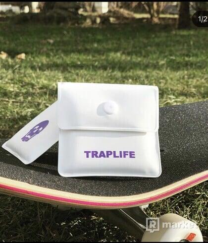 FREAK x TRAPLIFE POUNCH