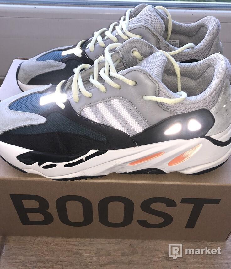 Yeezy boost 700 wave runner