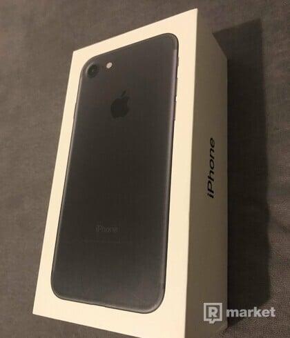Apple iPhone 7 32GB (Čierny)