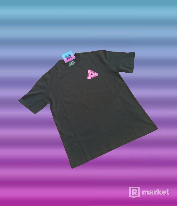 "PALACE TRI-TO-HELP TEE ""BLACK-PINK"""