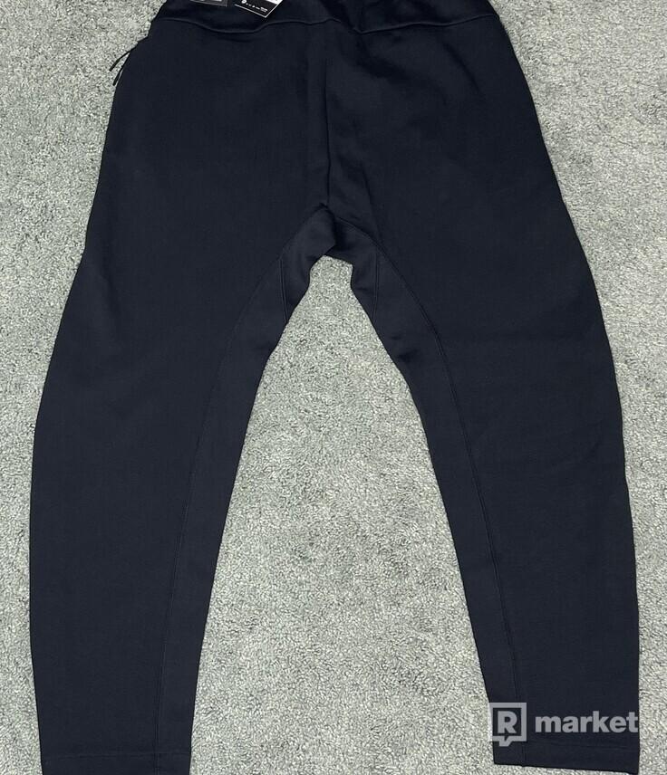 Nike tech pants tepláky