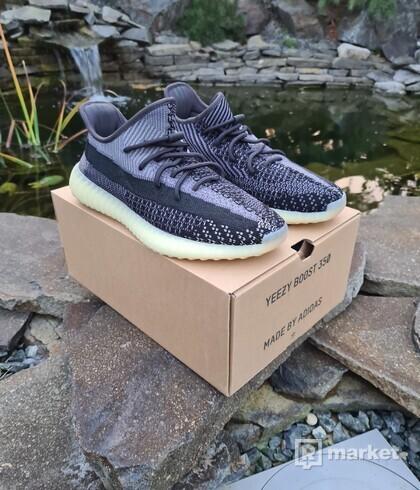 Adidas Yeezy Boost V2 Carbon