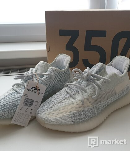 WTS Yeezy Boost 350 v2 Cloud White Reflective 44 2/3 (US 10.5)
