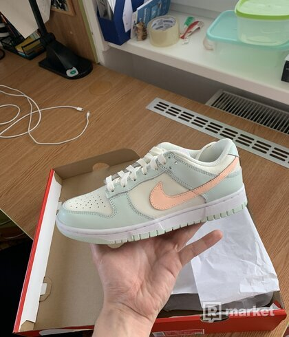 Nike Dunk Barely Green