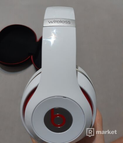Beats by Dr. Dre Studio 2.0 wireless
