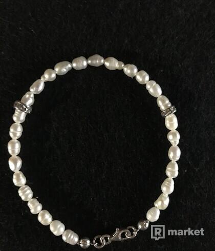 Bracelets z riečnych perál