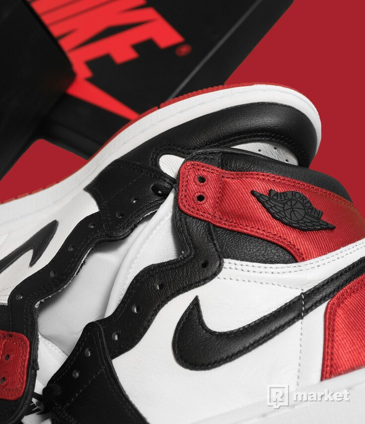Air Jordan 1 Black Toes Satin
