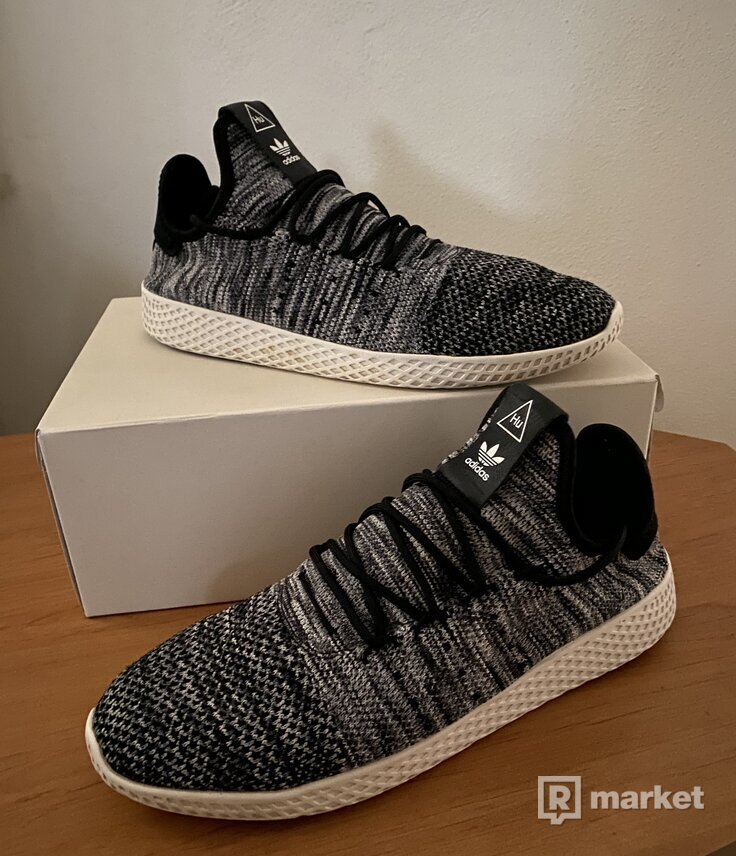 "adidas x Pharrell Williams Tennis HU Primeknit ""Oreo"""