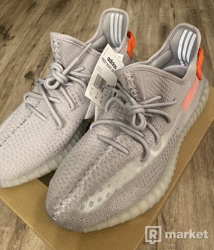Yeezy Boost 350 V2 Tail Light 46