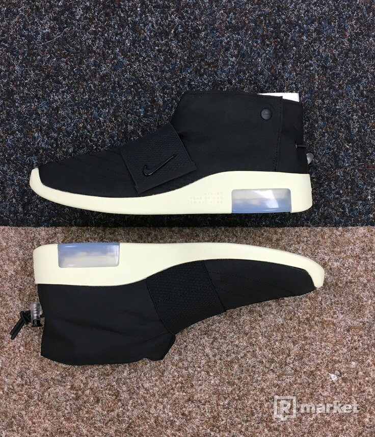 Nike x Fear Of God moc